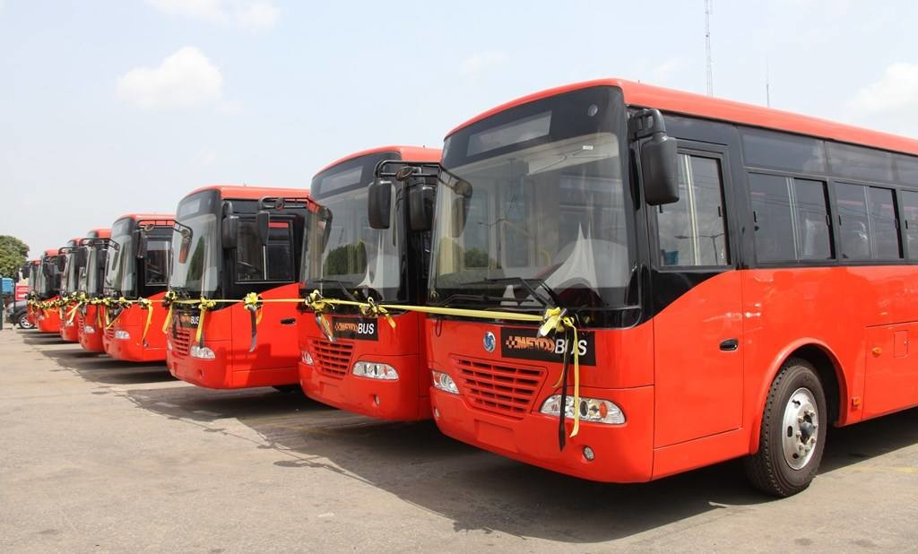 Fashola-Launches-100-Air-conditioned-Buses-1024x618